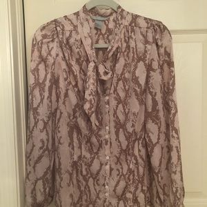H & M PUSSY BOW BLOUSE